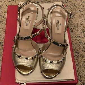 Brand new Valentino Garavani heels sandals